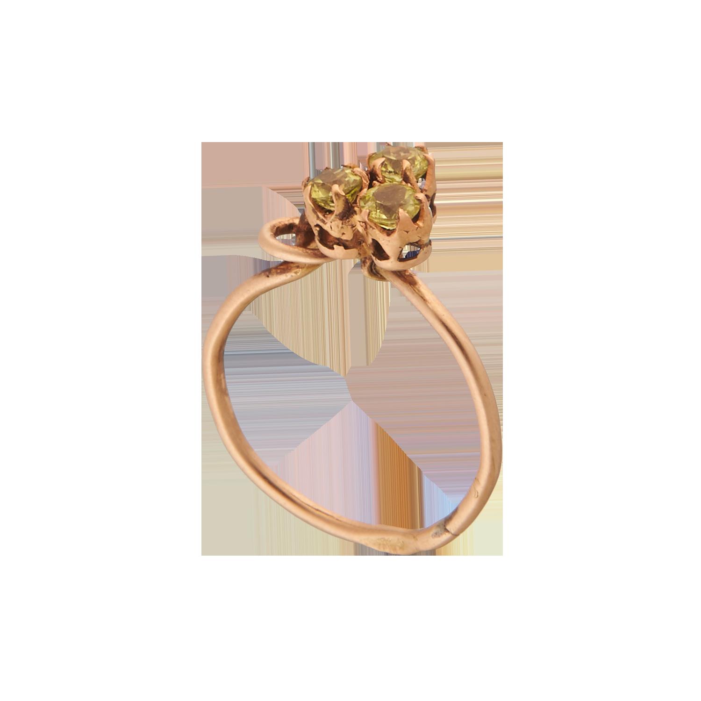 Антикварное кольцо с демантоидами.